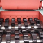Cutter-Chip type crusher